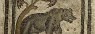 Mosaico con oso, evocación del mes de noviembre. Piedra caliza. 360-375. Villa Fortunatus (Fraga, Huesca). Inv. 07595..
