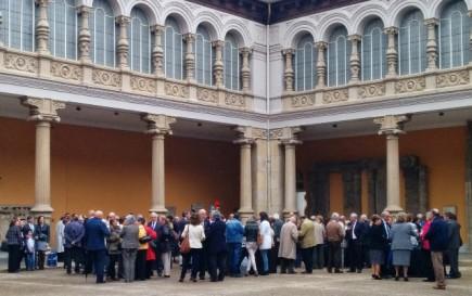 Recepción de los invitados en el patio de Museo