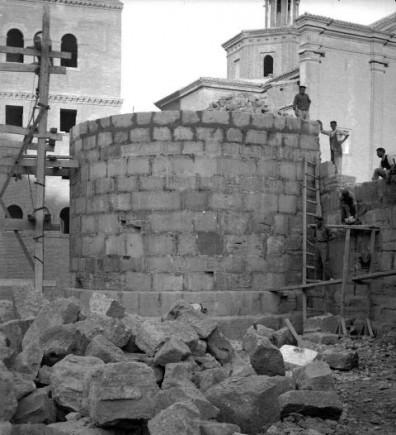 Reconstrucción de un cubo de la muralla en los años 40 del siglo XX