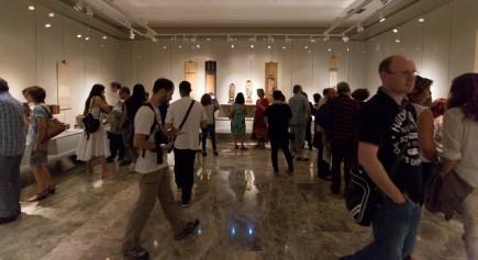 Visitando la exposición de Hirosigue (Fot. J. Garrido)