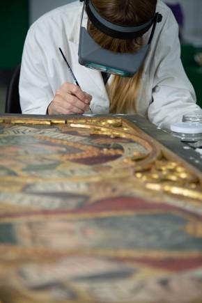 Restauración del retablo la Santa Cruz de la Iglesia de Blesa. Foto: José Garrido. Museo de Zaragoza.