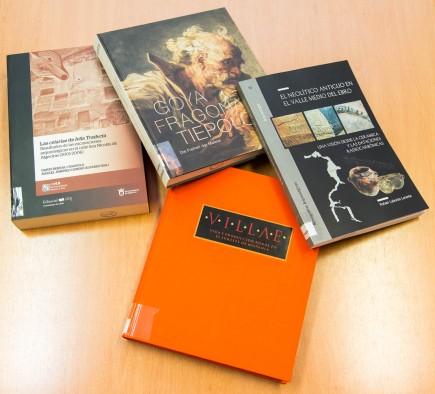 Fondos bibliográficos en la biblioteca del museo. Foto: José Garrido. Museo de Zaragoza.