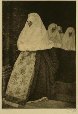 Novia ansotana, José Ortiz Echagüe, 1926. Foto: José Garrido. Museo de Zaragoza.