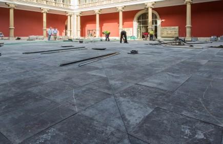 Aspecto del patio del museo en la recta final de las obras. Foto: José Garrido. Museo de Zaragoza.