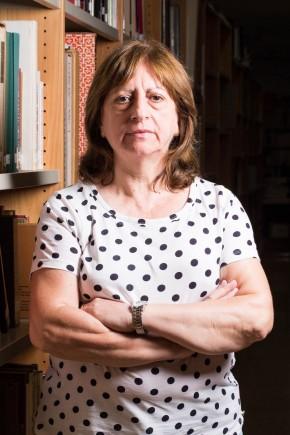 María Jesús Dueñas en la biblioteca del museo. Foto: José Garrido. Museo de Zaragoza.
