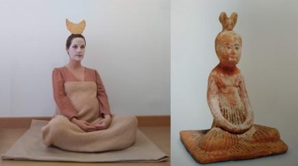 """Fotografía ganadora del reto Entre arte y cuarentena. Mingqi """"Dama sentada"""" por María Bayón"""