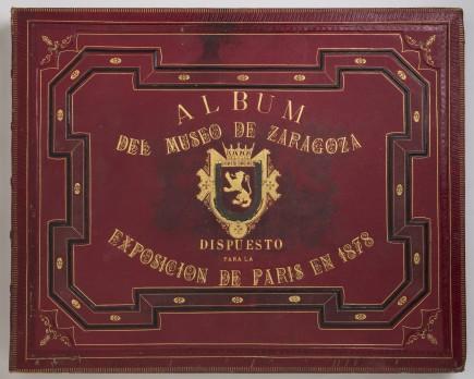 Álbum del Museo de Zaragoza dispuesto para la exposición de París en 1878. Foto: José Garrido. Museo de Zaragoza.
