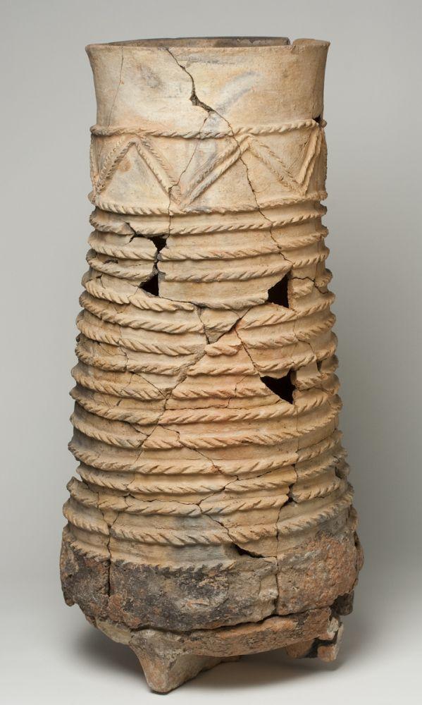 Tinaja. Cerámica. Primera Edad del Hierro. 600-500 a.E. Cabezo de La Cruz (La Muela, Zaragoza). Inv. 5428.