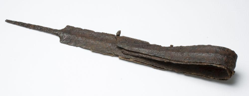 Espada con vaina. Hierro. Cultura celtibérica. 250-125 a.E. Necrópolis de Arcóbriga (Monreal de Ariza, Zaragoza) Inv. 50937.
