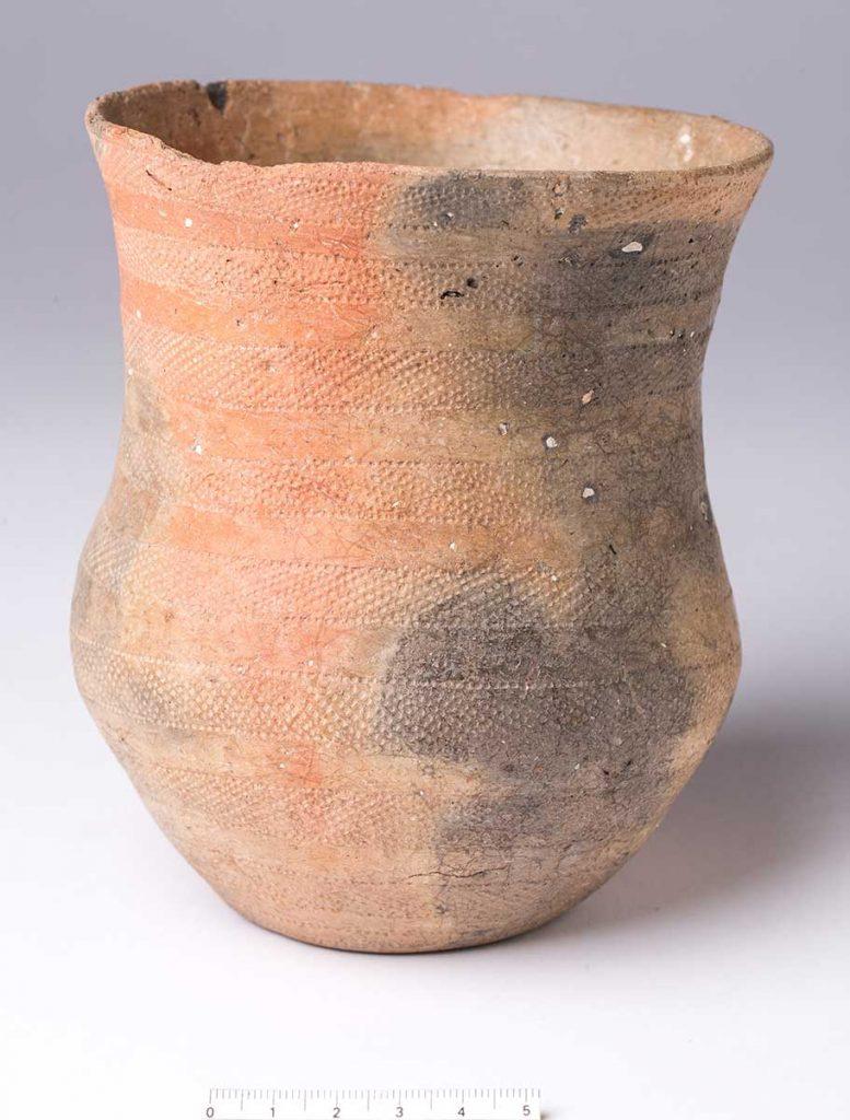 Vaso . Cerámica. Edad del Cobre. 2550[ac]-2300[ac]. Campos Vecinos - Mallén. NIG-50999