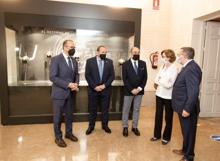 Presentación de los cascos de Aratis. Foto: José Garrido. Museo de Zaragoza.
