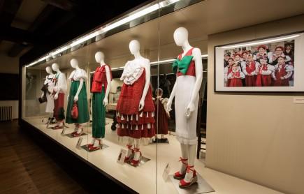 """Detalle de la muestra """"Ansó y sus trajes: tradición e inspiración"""". Foto: José Garrido. Museo de Zaragoza."""