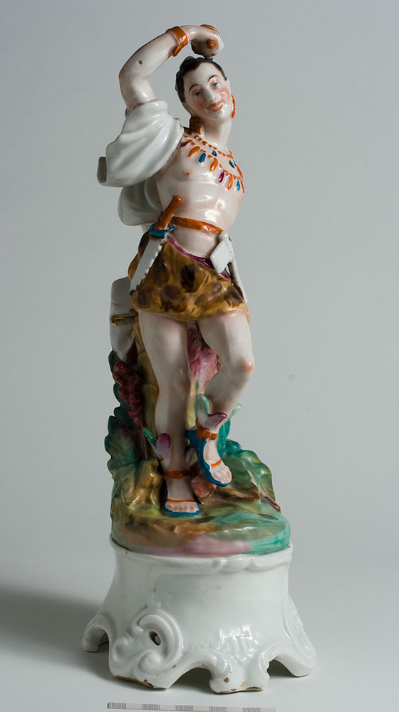Figura ornamental. Real Fábrica de Porcelana del Buen Retiro. Porcelana. 1768-1800. Inv. 01210