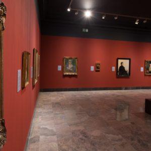 Montaje exposición Mujeres, 2014. Foto: José Garrido. Museo de Zaragoza.